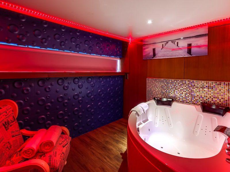 le guide de vos week ends en amoureux nuit d 39 amour. Black Bedroom Furniture Sets. Home Design Ideas