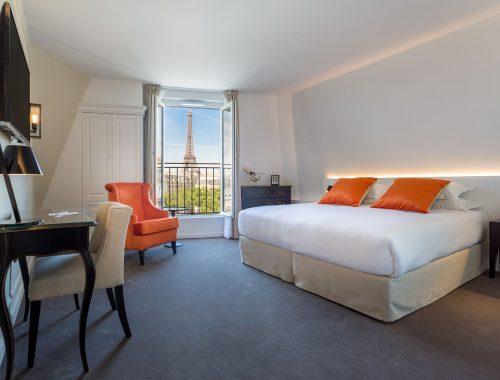 La-Comtesse-Paris-vue-tour-eiffel-de-la-suite-royale