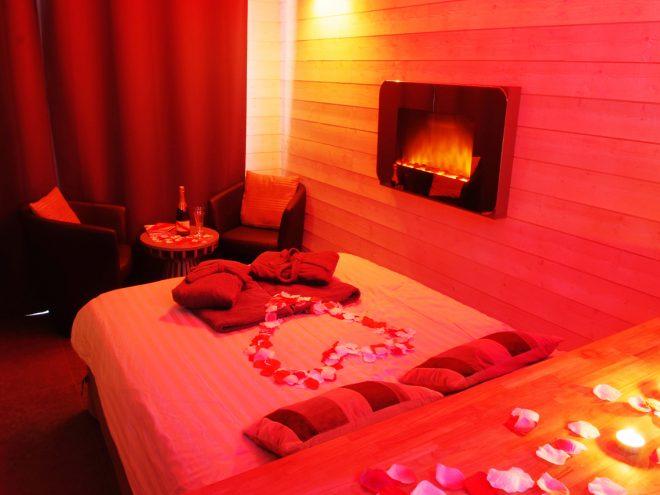 Le perceval spa nuit d 39 amour for Nids douillets chambre avec jacuzzi rognac
