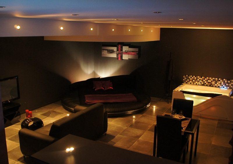 Marseille id es de sejour en amoureux for Nids douillets chambre avec jacuzzi rognac