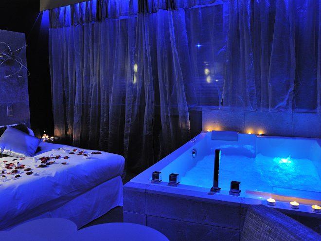 Hotel Avec Chambre Jacuzzi Dans Le 62 : Gourguillon nuit d amour