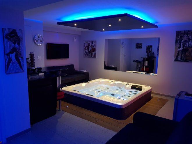 villa les oliviers nuit d 39 amour. Black Bedroom Furniture Sets. Home Design Ideas