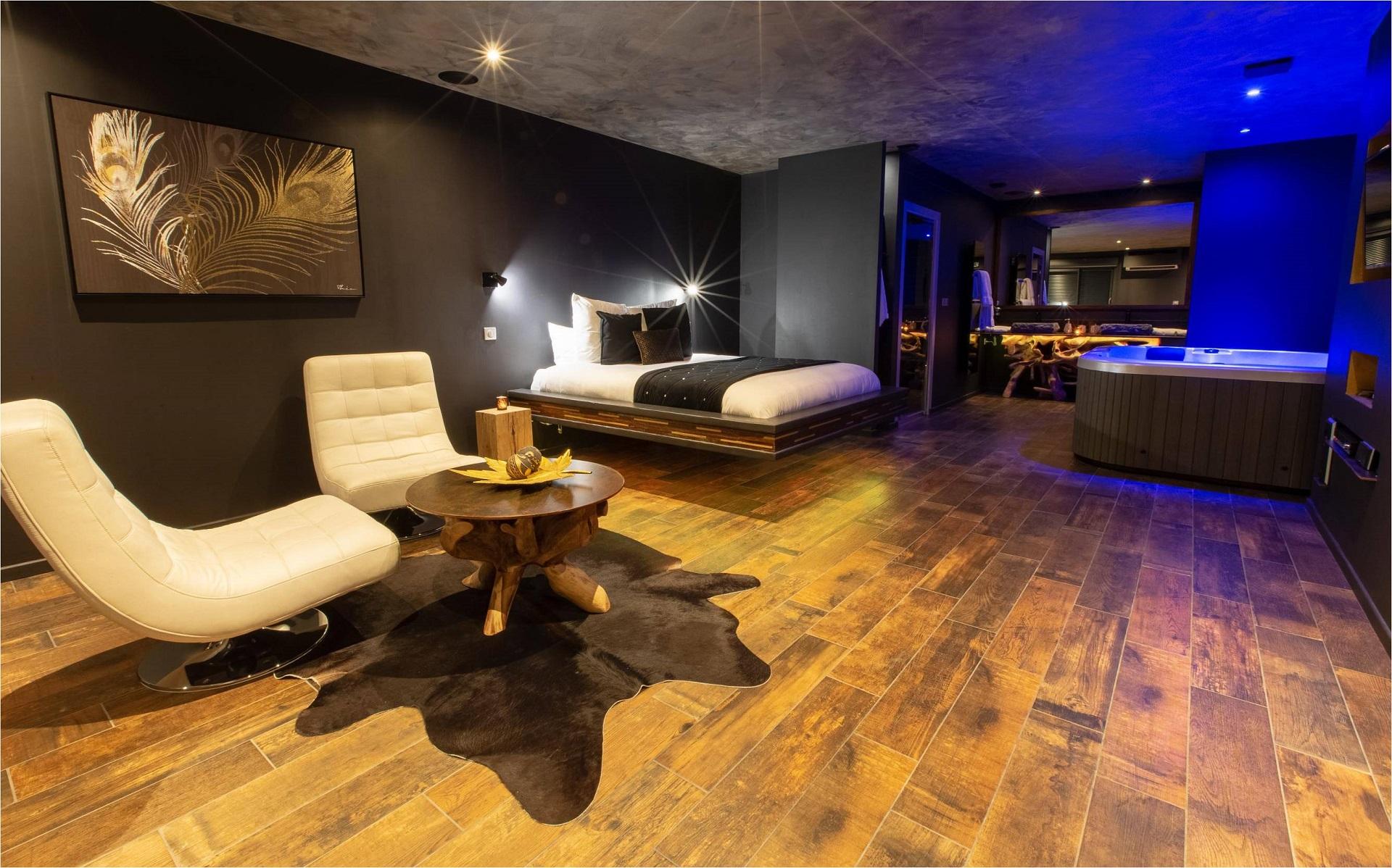 L Effet Spa Suite Avec Jacuzzi Et Sauna Privatifs A Douai Nuit D Amour