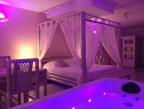 Jacuzzi privatif nuit d 39 amour - Chambre jacuzzi privatif provence ...